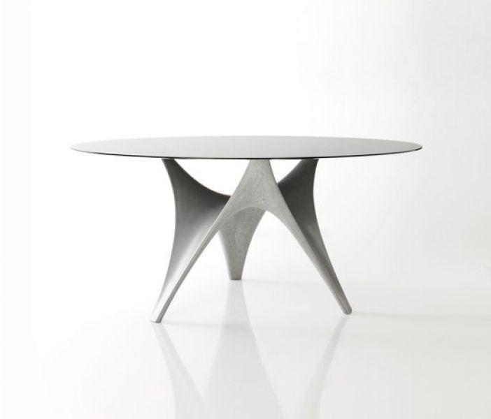 Arc Tisch, Norman Foster, 2010, Concrete