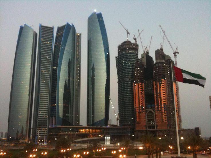 Luxus Urlaub: 1 Woche Abu Dhabi Top 5 Sterne Hotel & Etihad Direktflüge für nur 578€