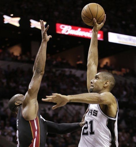 A Timmy one-hander (June 13, 2013 | NBA Finals | Game 4 | Miami Heat @ San Antonio Spurs | AT Center in San Antonio, Texas)