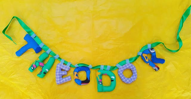 babyknopfauge  Theodor Namensketten  https://babyknopfauge.blogspot.de/2016/10/namensketten.html  #Babyparty #Clara #Dalia #DIY #Geschenk #Kindergeschenke #personalisiert #Leopold #nähen #Nähideen #Namensbänder #Namenskette #Stoff #Buchstaben #Theodor #Türbuchstaben