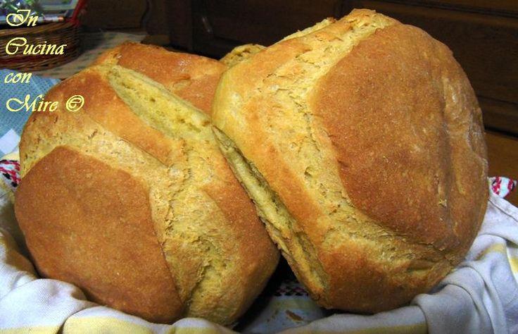 Il pane di semola di grano duro è un pane che mantiene la morbidezza per più giorni, è ottimo per gli intingoli saporiti dove pucciare.