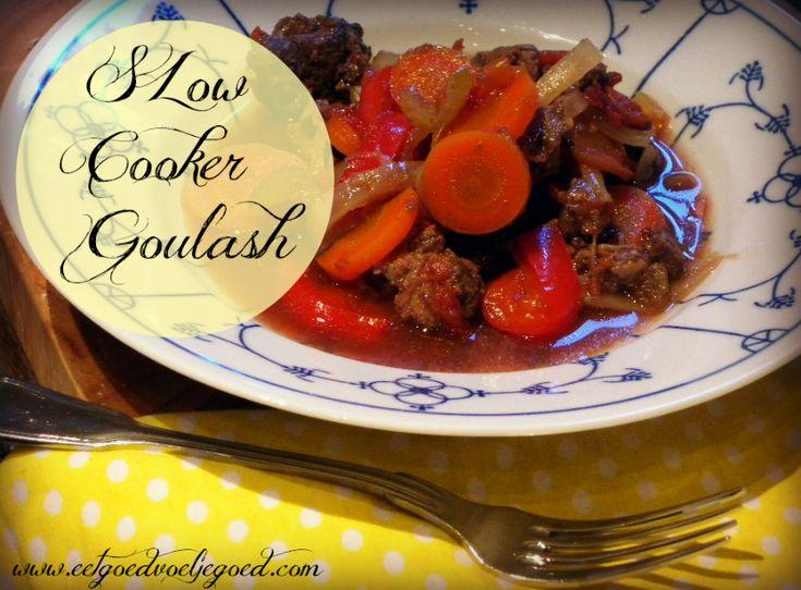 Slow Cooker Runder Goulash   Pittig, kruidig, tjokvol groente en hooglandervlees en toch verrassend licht. Deze goulash is een samenloop van ingrediënten en