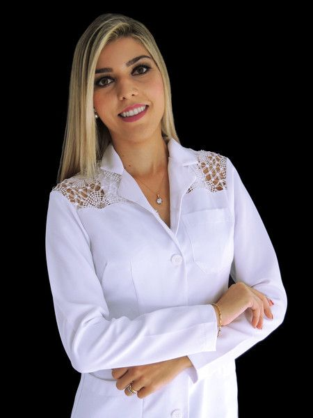 Jaleco Feminino Acinturado Gabardine Com Renda Guipir - Ateliê do Jaleco | Jalecos Diferenciados