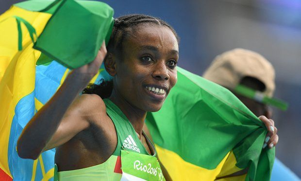 Ethiopia's Almaz Ayana smashed the world record by over 14 seconds to win Olympic gold in the women's 10,000m in Rio.The 24-year-old, racing the distance on the track for only the second time, obliterated the field to finish in 29 minutes 17.45 seconds.Britain's Jo Pavey was 15th ...