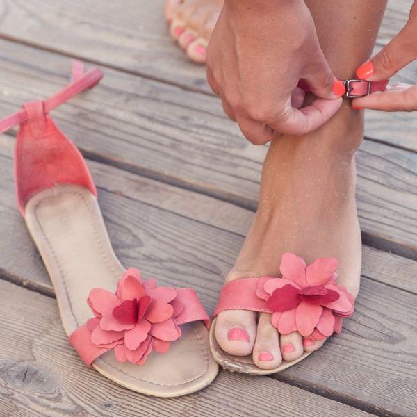 die besten 25 bequeme sandalen ideen nur auf pinterest sommerschuhe sandalen und flache sandalen. Black Bedroom Furniture Sets. Home Design Ideas