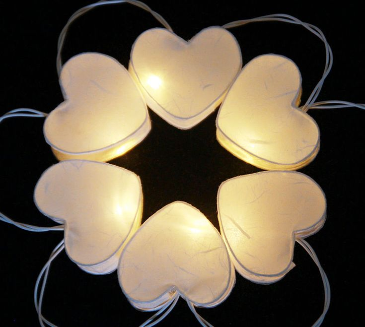 20 WHTIE HEART PAPER LANTERN WITH LED BATTERY OPERATED STRING LIGHTS