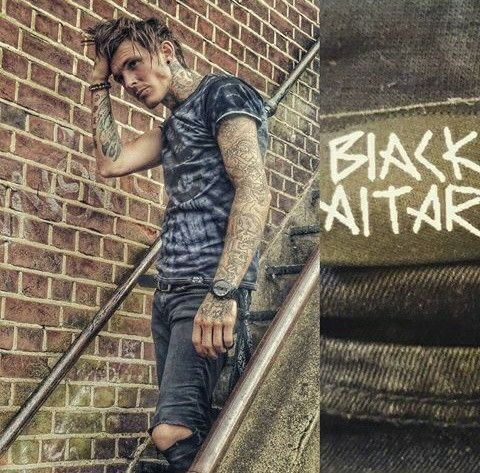 Steven Porter' a.k.a Sketch from Tattoo Fixers is a total babe. My kinda man!