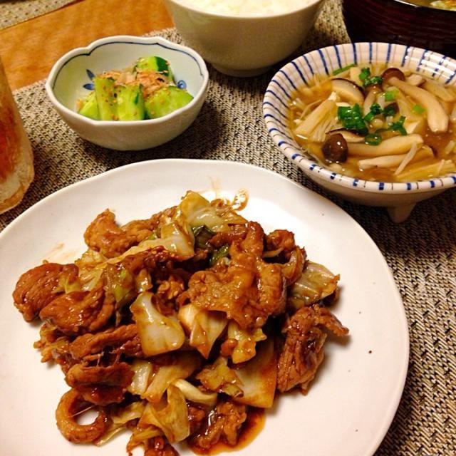 ・豚肉とキャベツの味噌炒め ・お豆腐のきのこあんかけ ・卵と春雨の中華スープ(大根、しいたけ、玉ねぎ、にんじん、わかめ) ・きゅうりのかつおぶし和え ・ごはん - 10件のもぐもぐ - 豚肉とキャベツの味噌炒め by Sakiko