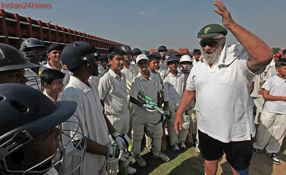Nobody can challenge Anil Kumble's contribution in the last season: Bishan Singh Bedi
