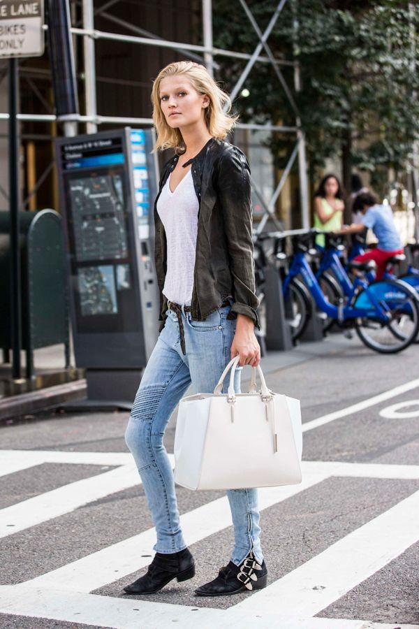 Toni Garnn, l'attuale compagna di Leonardo Di Caprio, icona di stile e impegno sociale. @CLOSEDOFFICIAL ; @RealToniGarrn @PorscheDesignhttp://www.sfilate.it/236527/stile-rilassato-chic-top-model-toni-garnn-compagna-caprio