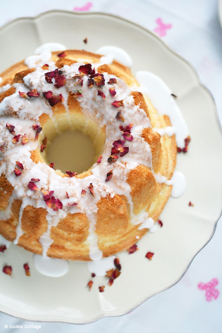 Recept voor een sensationeel luchtige cake. Angel food cake met rozenwater. Lactosevrije cake zonder boter. - Cookie cottage