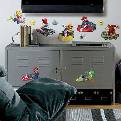 Wall stickers med alle de kendte figurer fra det ikoniske Mario Kart.