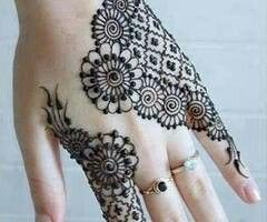 Cute henna pattern