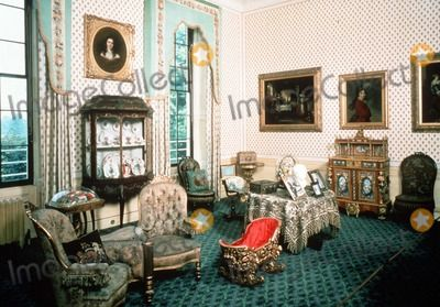 98 best kensington palace images on pinterest palace for Nottingham cottage interior