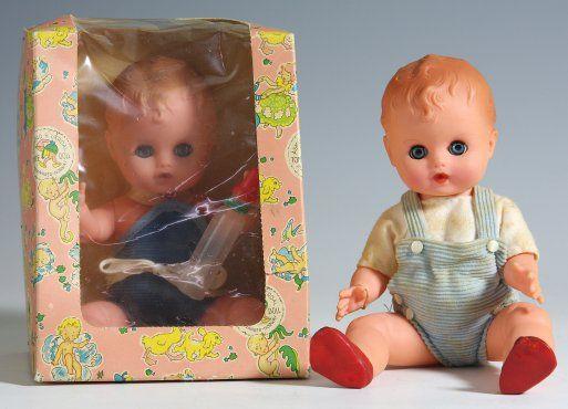 Baby dukke med soveøyne Åsmund S. Lærdal