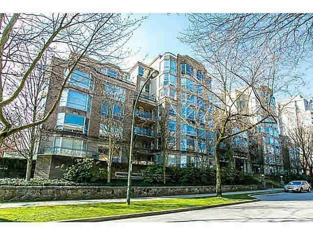 """Sold Videos: 303 500 W 10TH Avenue in Vancouver: Fairview VW Condo for sale in """"Cambridge Court"""" (Vancouver West)  : MLS(r) # R2050237"""
