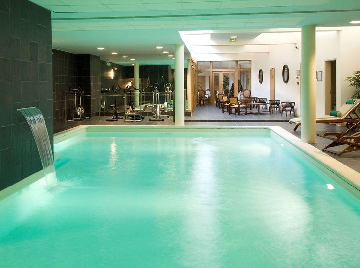 Calme, luxe et volupté dans le Quartier Latin de Paris avec le BEST WESTERN Premier Amiral Hotel : piscine intérieure chauffée, centre SPA et espace fitness !