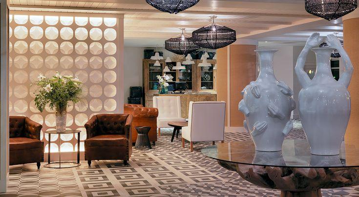 Lobby y recepción del hotel #h10 #h10hotels #salou #h10vintagesalou