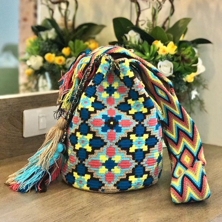 6 отметок «Нравится», 1 комментариев — Vintage Naw Jum Wayuu Bags (@jum_tumsuk) в Instagram: «✅ พ ร้ อ ม ส่ ง ✅ ''รุ่น 7-10 Colors'' ✖️✖️ ราคา 4,500 บาท ✖️✖️ ✔️ไซส์ : L ✔️ สูง 11-12 นิ้ว x…»