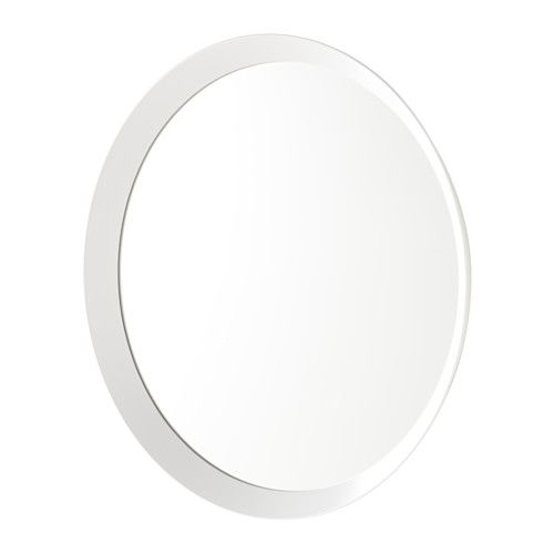 LANGESUND Espelho IKEA Fornecido com uma película de segurança; minimiza os danos caso o espelho se parta. Adequado para usar em áreas muito húmidas.