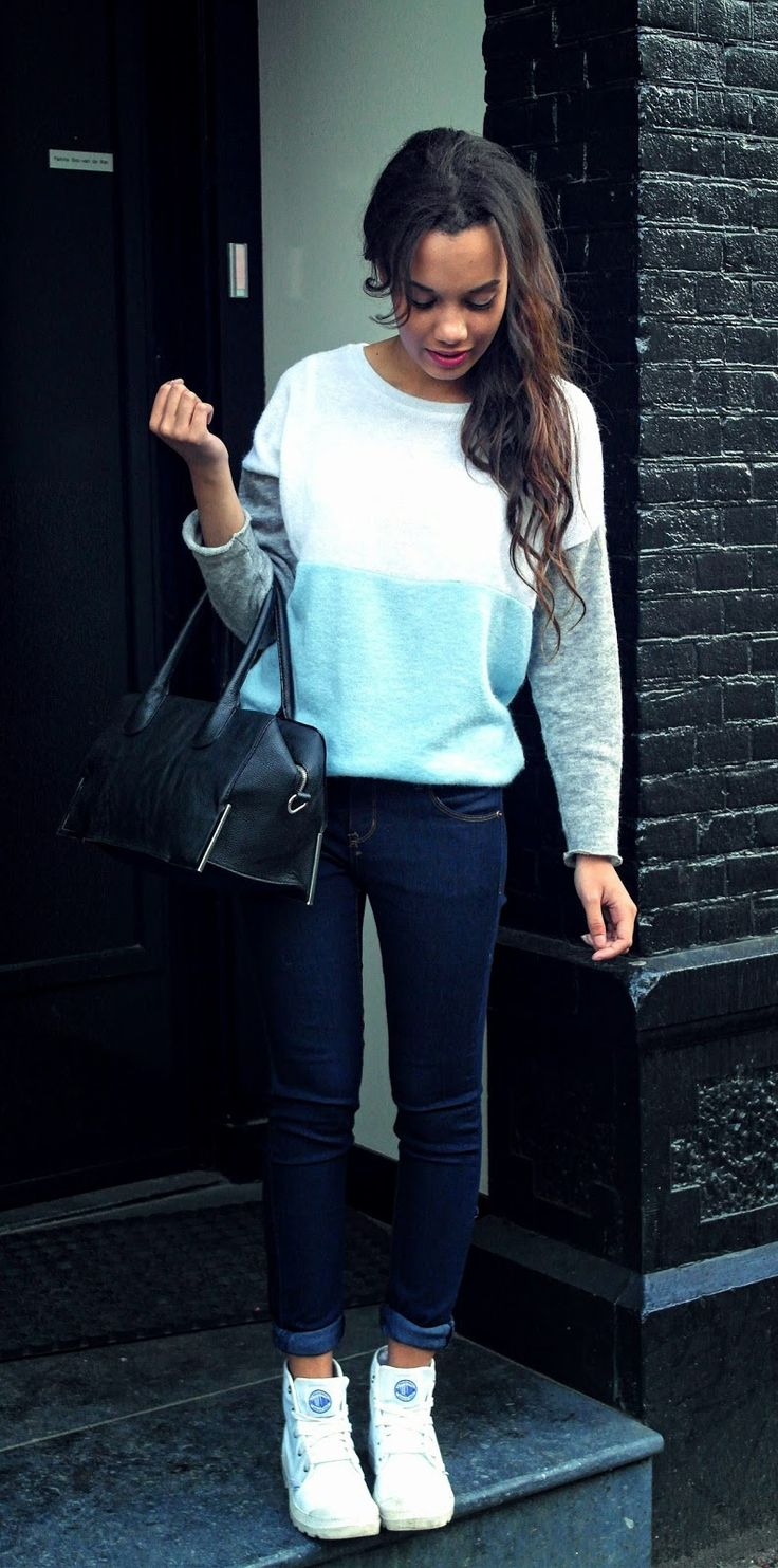 13 seconds of imagination: bright sweater mixed with dark jeans & wavy hair