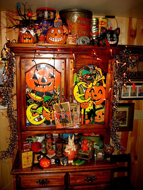 halloween collection 2006 hutch decorations - Vintage Style Halloween Decorations