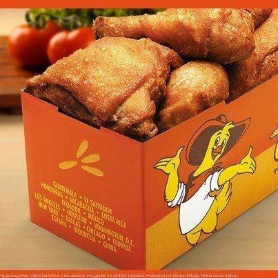 Pollo Campero ; cadena de pollo frito de El Salvador. Muy bueno