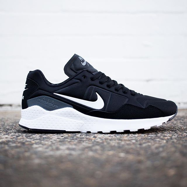 Nike Air Zoom 92 Pegasus: Black/Grey/White