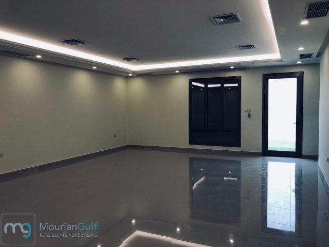 للإيجار دوبلكس جديد في السرة أرضي وأول 5 غرف منهم 4 ماستر 3 صالات حمام ضيوف غرفة خدم بحمام وسائق و3 مواقف 1350دك Flat Screen Electronic Products