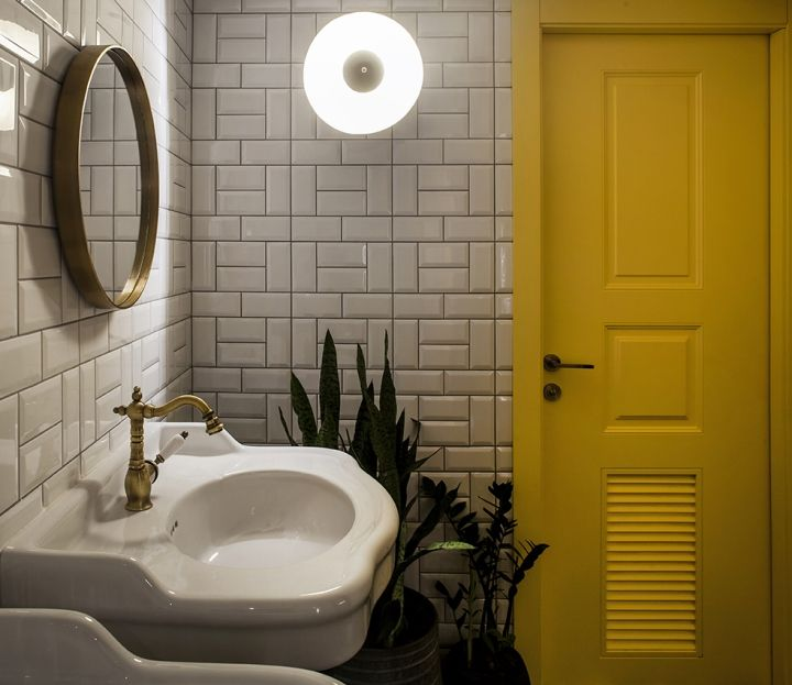 35 Awesome Small Bathroom Ideas For Apartment: 25+ Best Restaurant Bathroom Ideas On Pinterest