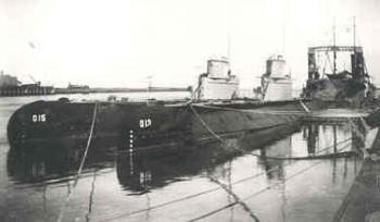 1932: Submarines O13 and O15