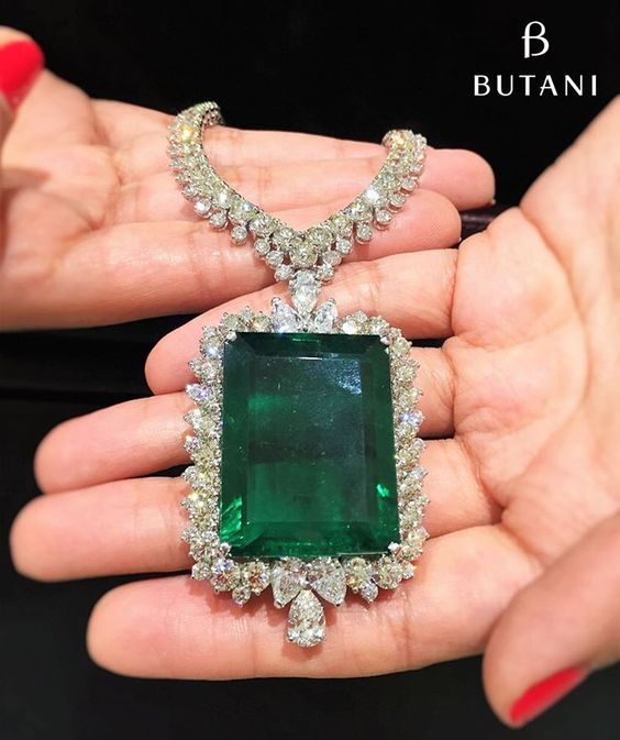 This summer's knockout @Butani Jewellery is an 80 carat Emerald Pendant Necklace…