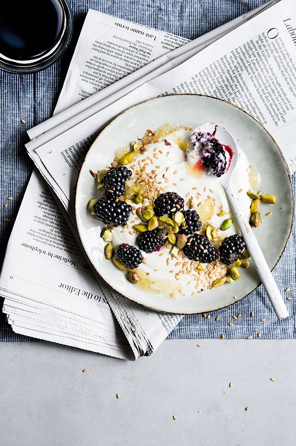 Greek yoghurt with golden linseed, blackberries & pistachios | @styleminimalism