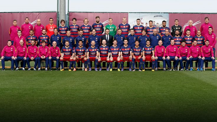 The official FC Barcelona team photo for the present season / MIGUEL RUIZ - FCB