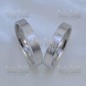 Шершавые обручальные кольца с отпечатками пальцев внутри и бриллиантом принцесса (Вес пары: 9 гр.)