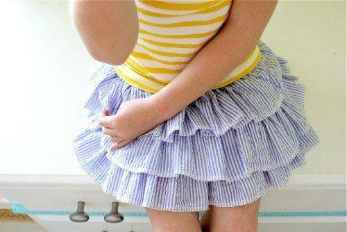 DIY-ruffled-skirt-for-girls01.jpg