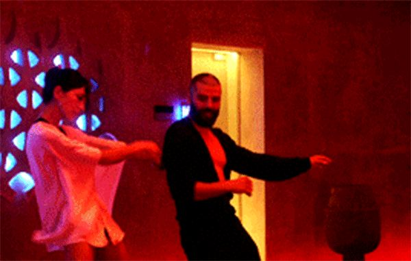 Oscar Isaac's Dancing in <em>Ex Machina</em> Syncs Up Perfectly to Any Song Your Heart Desires