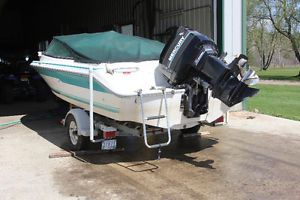 SeaRay 180 Boat, with 150 Merc Outboard Winnipeg Manitoba image 7