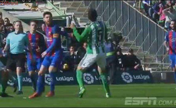 Petros Ex-Corinthians APLICA CHAPÉU HUMILHANTE EM LIONEL MESSI - 29/01/2017