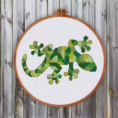 Geometric Gecko cross stitch pattern
