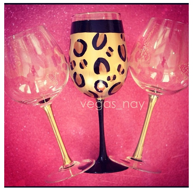 1000 images about wine glass decorating ideas on for Diy painted wine glasses
