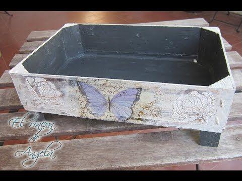 Decoupage, relieve y decapado sobre madera. Reciclar caja de fresas - YouTube