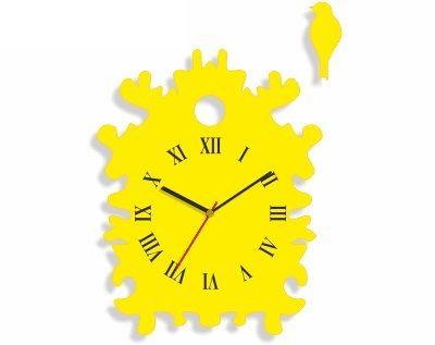 Nástenné hodiny atypického tvaru