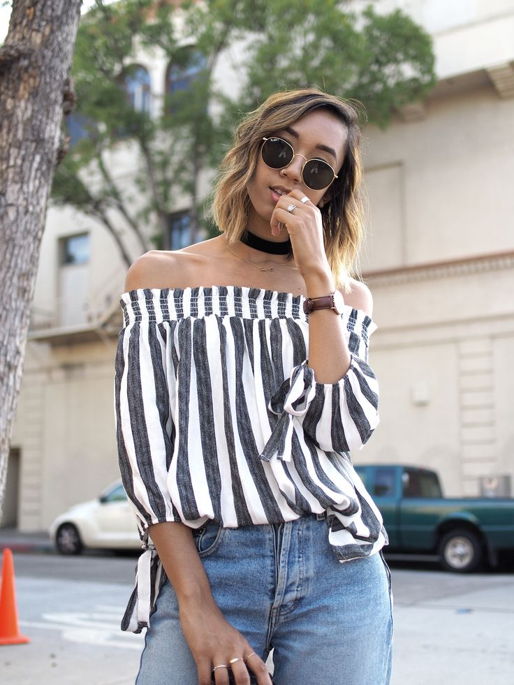 STRIPED OFF SHOULDER BLOUSE  Unconscious Style a Fashion Blog by Stephanie Heyden || Newport Stripe Off Shoulder Top – PoshSquare | Mom Jeans – Calvin Klein (Thrifted) | Simone Block Pump –ASOS | Round Metal Sunglasses – RayBan | St Mawes Watch – Daniel Wellington
