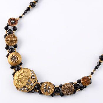 vintage style button necklace