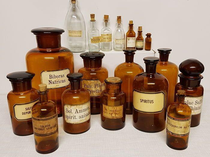 Grote verzameling Glazen Apothekerspotten 14 stuks uit diverse Apothekers…