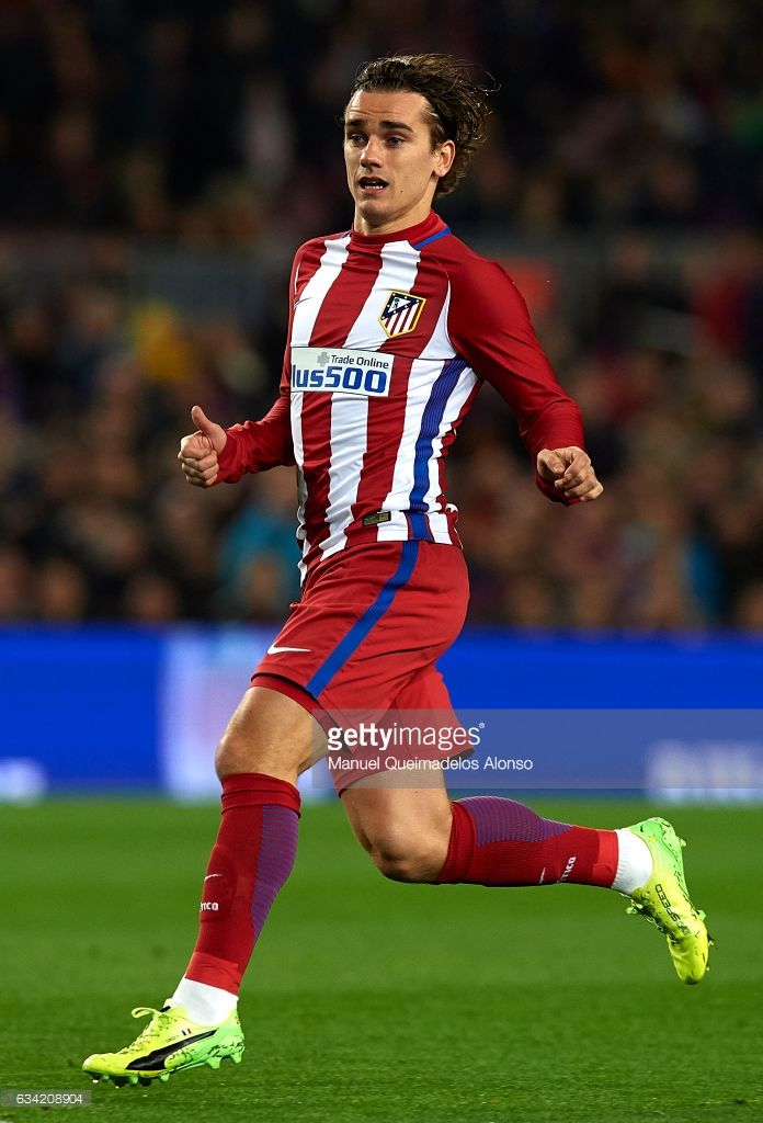 Antoine Griezmann of Atletico de Madrid in action during the Copa del Rey semi-final second leg match between FC Barcelona and Atletico de Madrid at Camp Nou on February 7, 2017 in Barcelona, Spain.