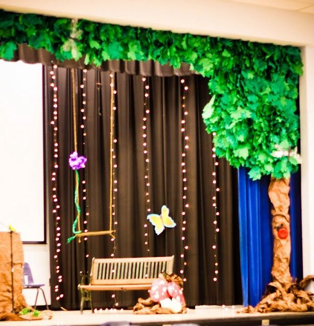 •Decorate your graduation ceremony using a growing tree theme. Use brown butcher paper and create a large tree trunk with empty branches, such as a ...