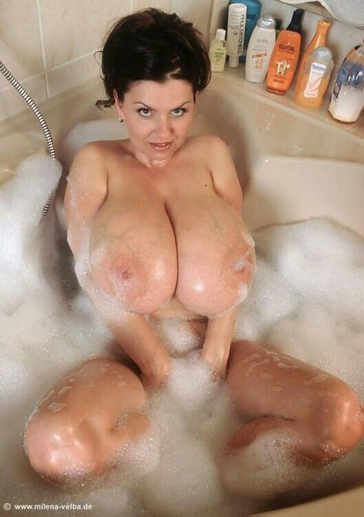 Busty chaka t in the shower