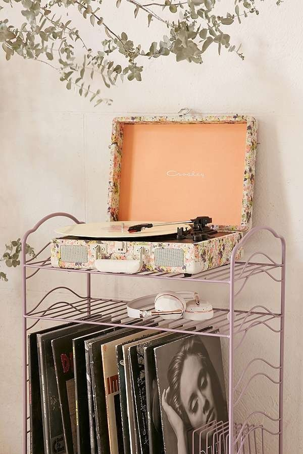 Crosley Presley Floral Bluetooth Cruiser Vinyl Record Player | Urban Outfitters | Home & Gifts | Music & Tech | Record Players #uoeurope #urbanoutfitterseu #uohome